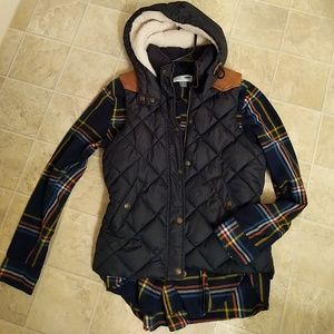 ✨EUC H&M puffer vest with hood